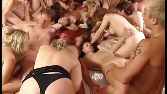 XXX sin registro  A mami argentina triple x iniciaciones no le importa ser una puta
