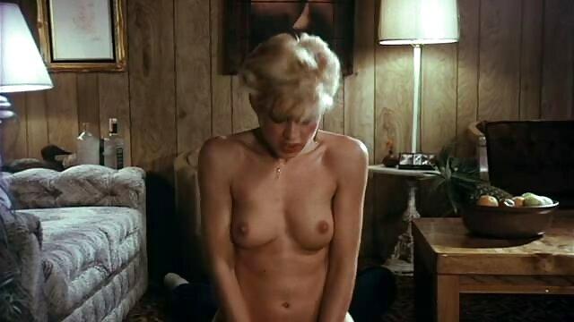 XXX sin registro  Tess la hermosa porno argentina buenos aires abuela escena 2