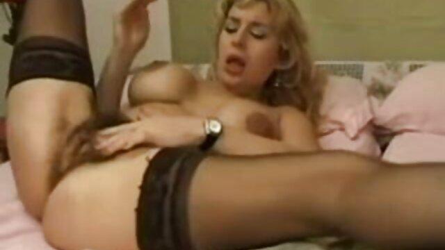 XXX sin registro  Hottie en celo golpeada por videos pornos xxx argentino una gran polla negra