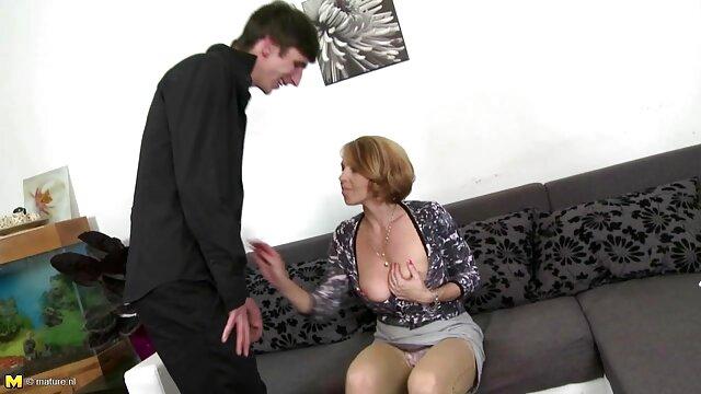 XXX sin registro  Euro Hottie es follada por un gran consolador negro porn buenos aires