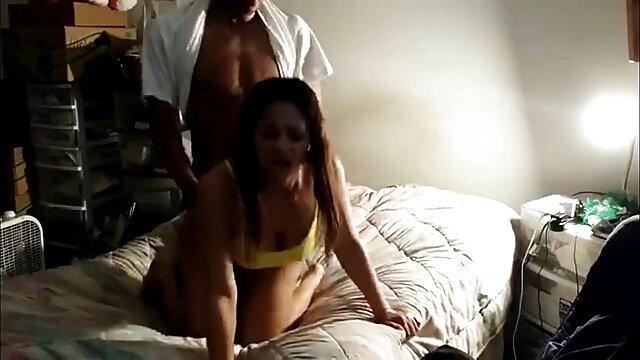 XXX sin registro  Dominatrix argentinas masturbandose xxx ata a su novia y le vierte cera caliente