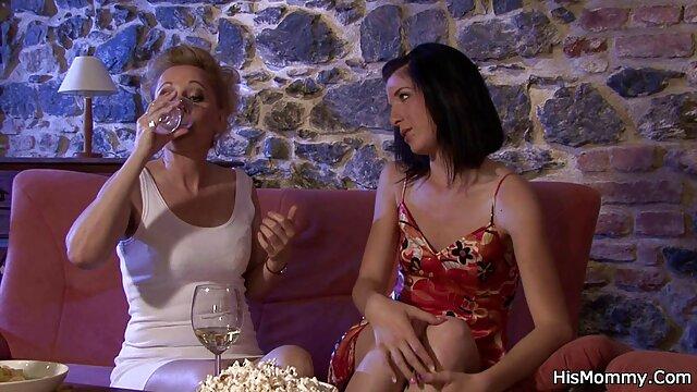 XXX sin registro  Nikki Brooks se baña con sus juguetes videos pornográficos argentina