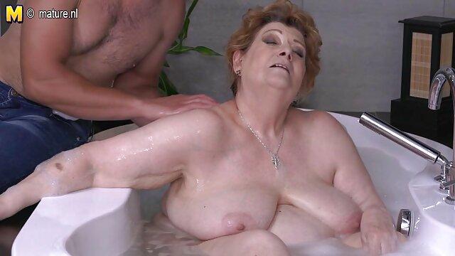 XXX sin registro  MILF gordita tiene un orgasmo lésbico caliente video prohibido de famosas argentina